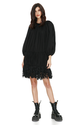 Black Short Dress With Crocheted Hem - PNK Casual
